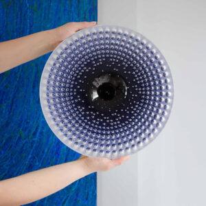 De kleur van de Drops schalen verloopt van licht naar donker of omgekeerd én gaat hoogglans glazuur over in mat.
