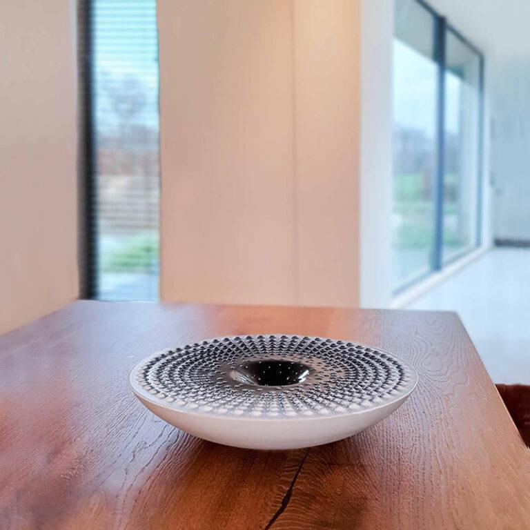 Olav Slingerland ontwikkelde deze Drops design objecten in samenwerking met ontwerpster Jacqueline Heidanus.