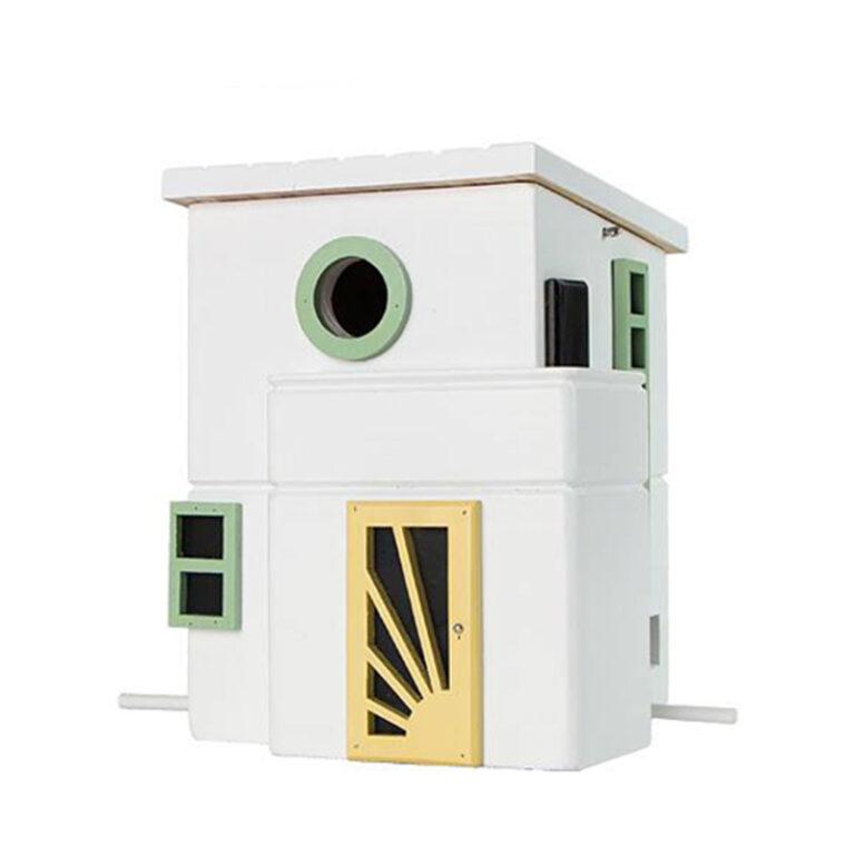 Vogellandhuis Art Deco is gemaakt van hout. Het ronde raam is de ingang van het nestkastje. Dit sluit je in de winter zodat je de villa met vogelvoer kunt vullen.